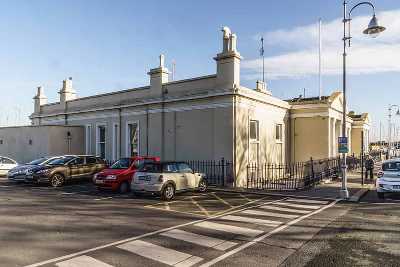 NATIONAL-YACHT-CLUB-DUN-LAOGHAIRE-HARBOUR-160198-1