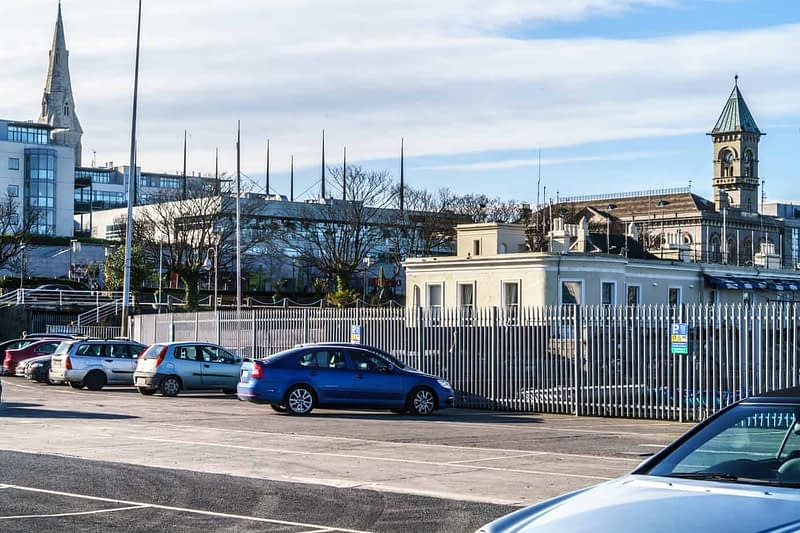 NATIONAL-YACHT-CLUB-DUN-LAOGHAIRE-HARBOUR-160201-1