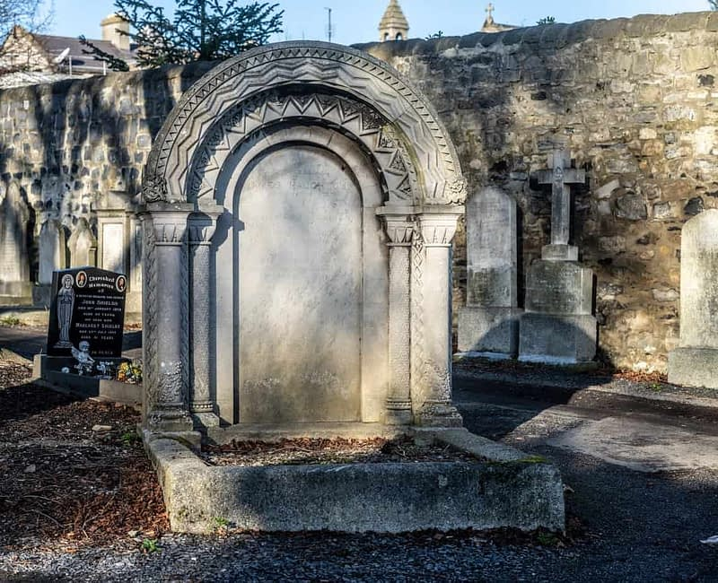 THE-HAUGHTON-VAULT-MOUNT-JEROME-CEMETERY-159695-1