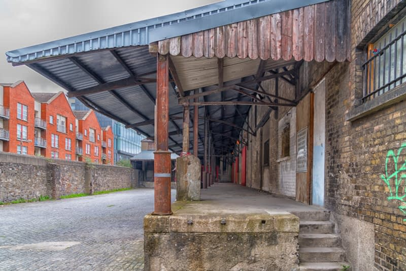 OLD-WAREHOUSE-ON-SIR-JOHN-ROGERSONS-QUAY-PHOTOGRAPHED-17-APRIL-2017-165961-1