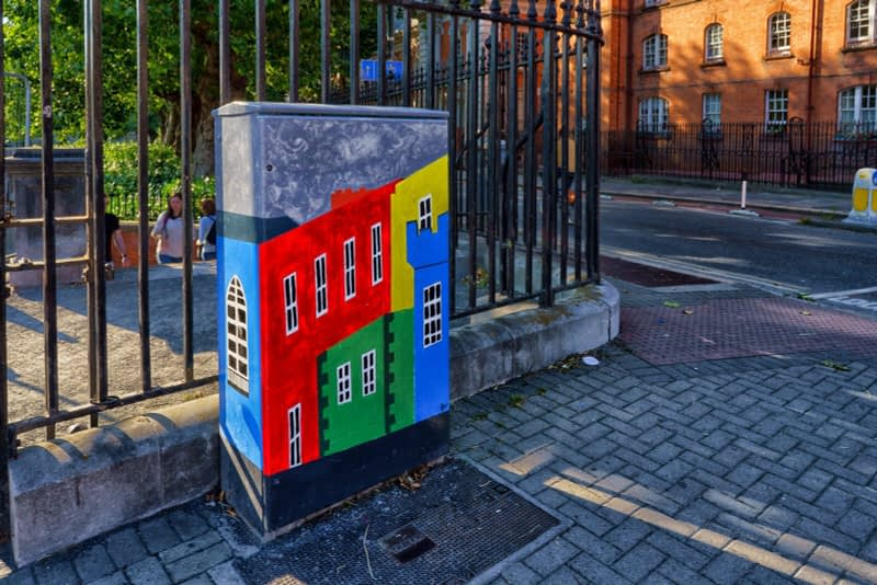 EXAMPLES-OF-PAINT-A-BOX-STREET-ART-IN-DUBLIN-13-SEPTEMBER-2020-166428-1