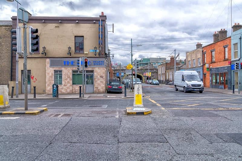 PEARSE-STREET-IN-DUBLIN-RANDOM-IMAGES-FROM-2017-166000-1