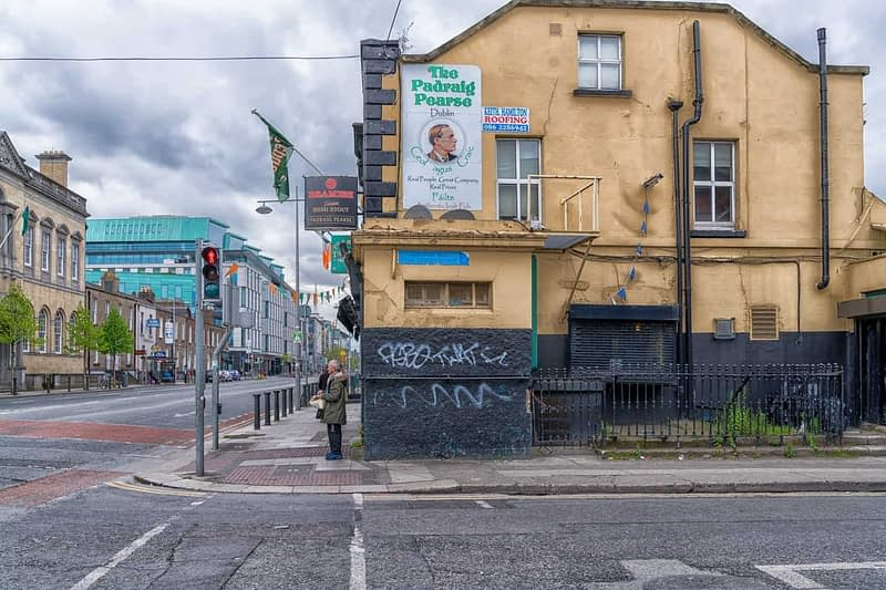 PEARSE-STREET-IN-DUBLIN-RANDOM-IMAGES-FROM-2017-166001-1