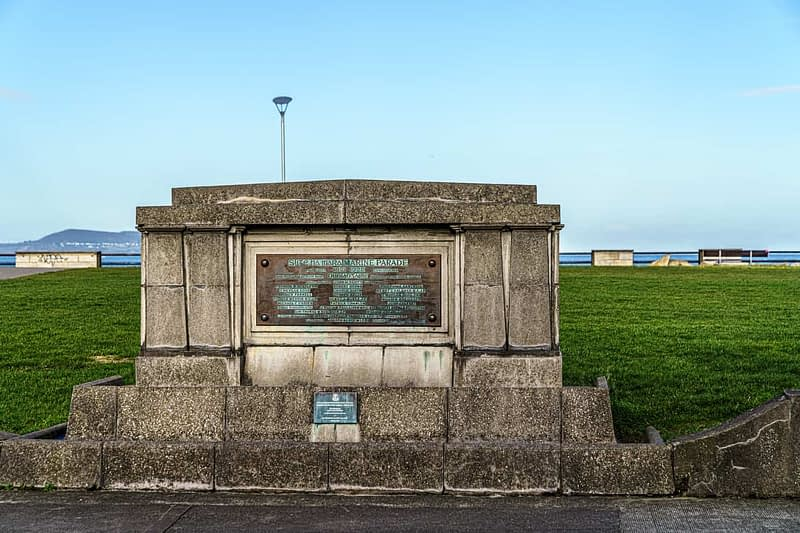 THE-PIANO-MONUMENT-MARINE-PARADE-IN-NEWTOWNSMITH-160179-1