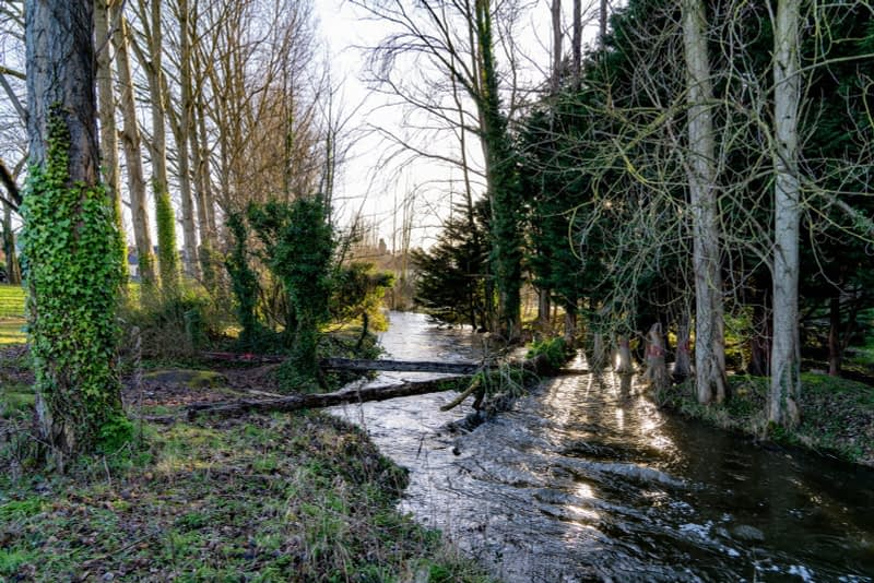 SMALL-PUBLIC-SPACE-AT-POUND-LANE-IN-MAYNOOTH-LYREEN-RIVER-160459-1