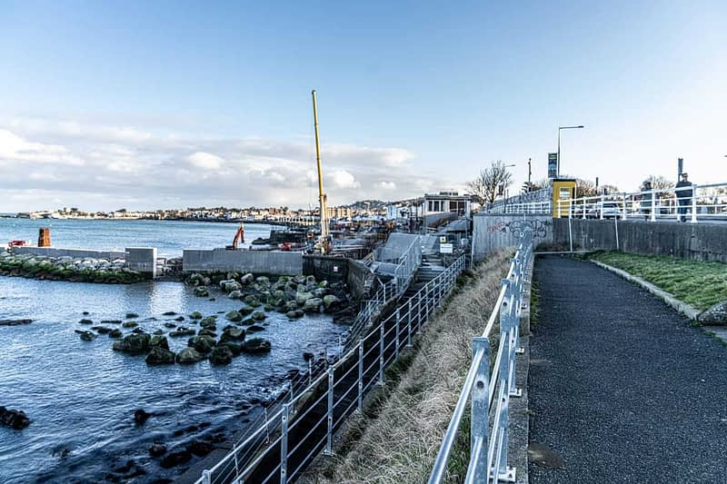 DUN-LAOGHAIRE-WATERFRONT-ALONG-QUEENS-ROAD-159893-1