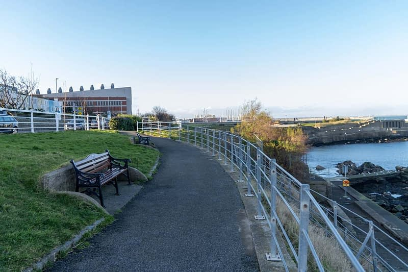 DUN-LAOGHAIRE-WATERFRONT-ALONG-QUEENS-ROAD-159895-1