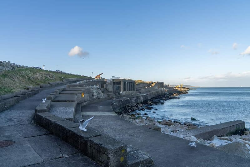 DUN-LAOGHAIRE-WATERFRONT-ALONG-QUEENS-ROAD-159902-1