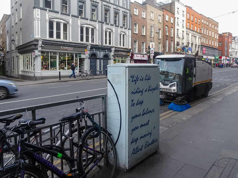URBAN-EXPRESSION-AND-DEPRESSION-IN-DUBLIN-VARIOUS-TYPES-AND-STYLES-160014-1