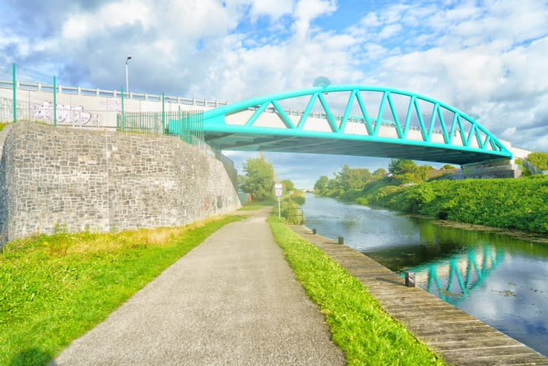 ROYAL-CANAL-WAY-NEAR-WHERE-THE-RATOATH-ROAD-CROSSES-THE-CANAL-AND-RAILWAY-165930-1