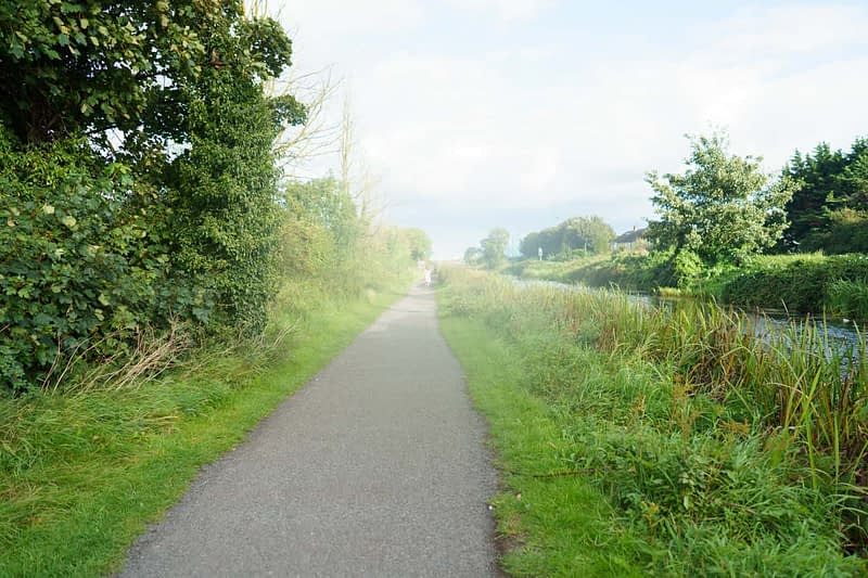 ROYAL-CANAL-WAY-NEAR-WHERE-THE-RATOATH-ROAD-CROSSES-THE-CANAL-AND-RAILWAY-165932-1