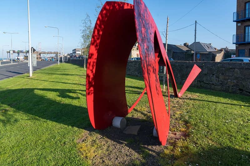 PUBLIC-ART-AT-YORK-ROADRED-METAL-THINGS-160335-1