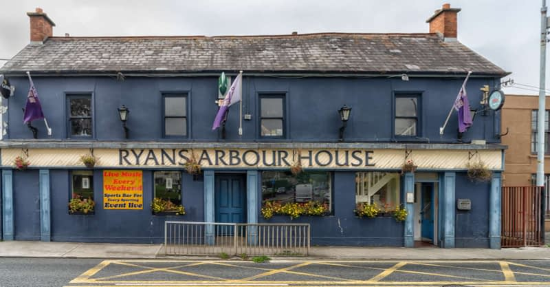 RYANS-ARBOUR-HOUSE-PUB-A-GENTLEMAN-OBJECTED-TO-ME-PHOTOGRAPHING-THIS-PUB-165511-1
