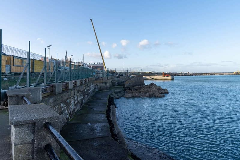 SEAFRONT-IN-DUN-LAOGHAIRE-SCOTSMANS-BAY-159970-1