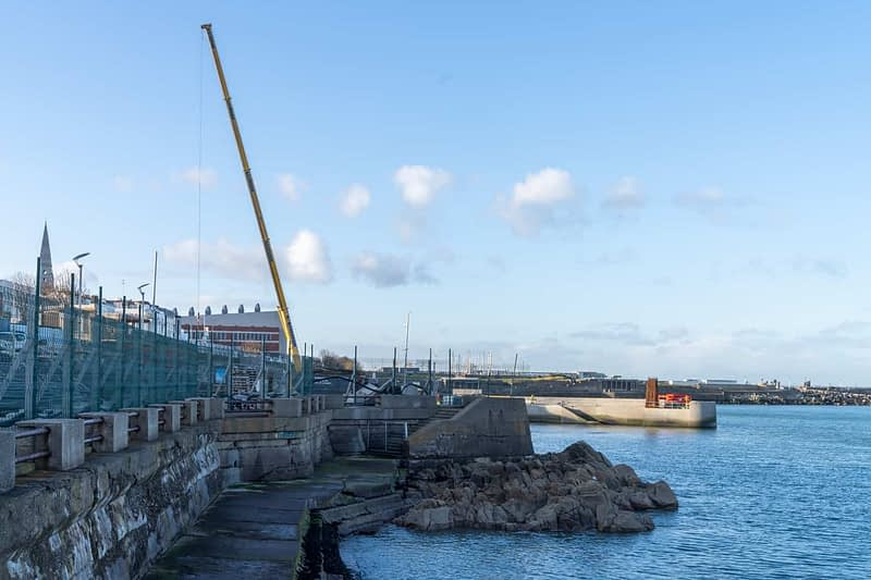 SEAFRONT-IN-DUN-LAOGHAIRE-SCOTSMANS-BAY-159971-1