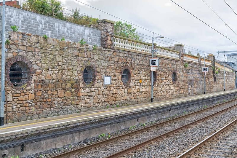 TRAIN-STATION-SEAPOINT-165971-1