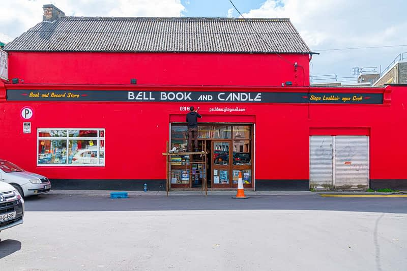 BELL-BOOK-AND-CANDLE-BOOK-AND-RECORD-STORE-161207-1