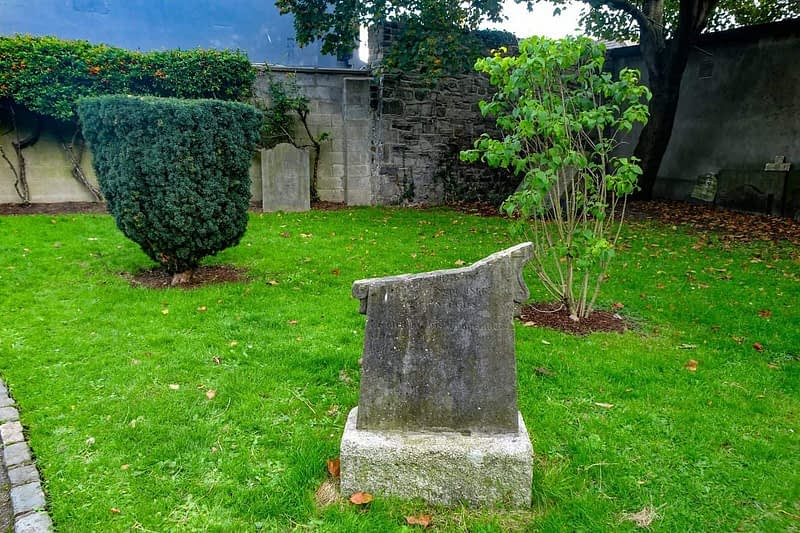 ST-KEVINS-CHURCH-AND-GRAVEYARD-CAMDEN-ROW-166454-1