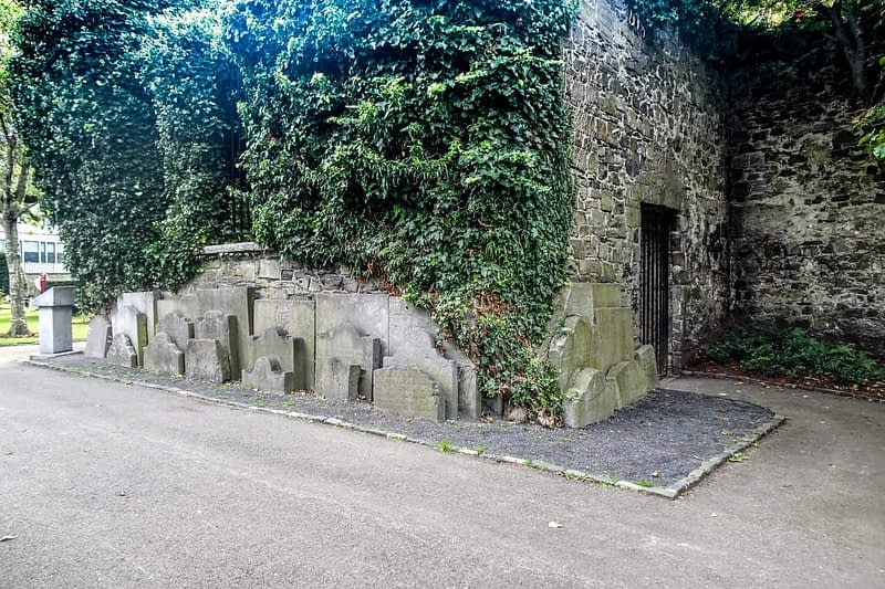 ST-KEVINS-CHURCH-AND-GRAVEYARD-CAMDEN-ROW-166461-1