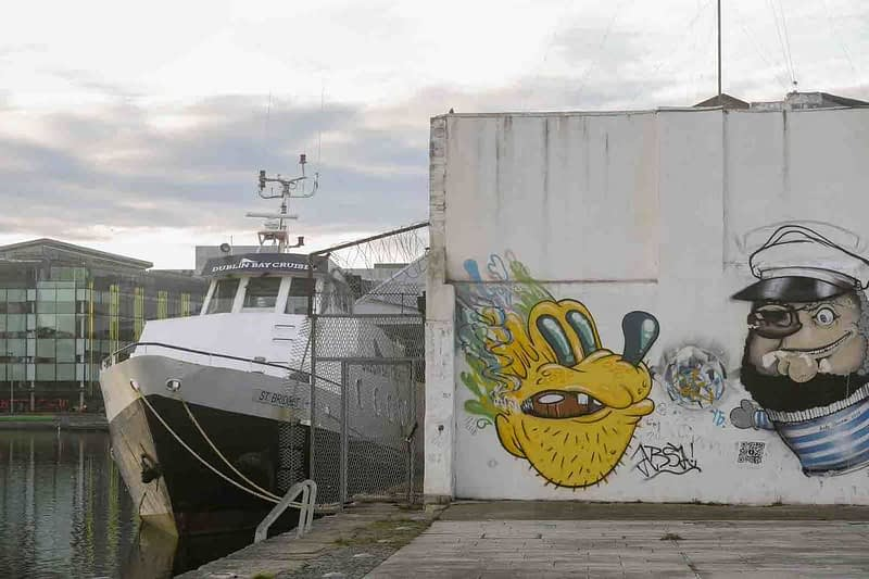 STREET-ART-PHOTOGRAPHED-ON-THE-LAST-DAY-OF-2014-HANOVER-QUAY-HAS-GREATLY-CHANGED-SINCE-THEN-159177-1