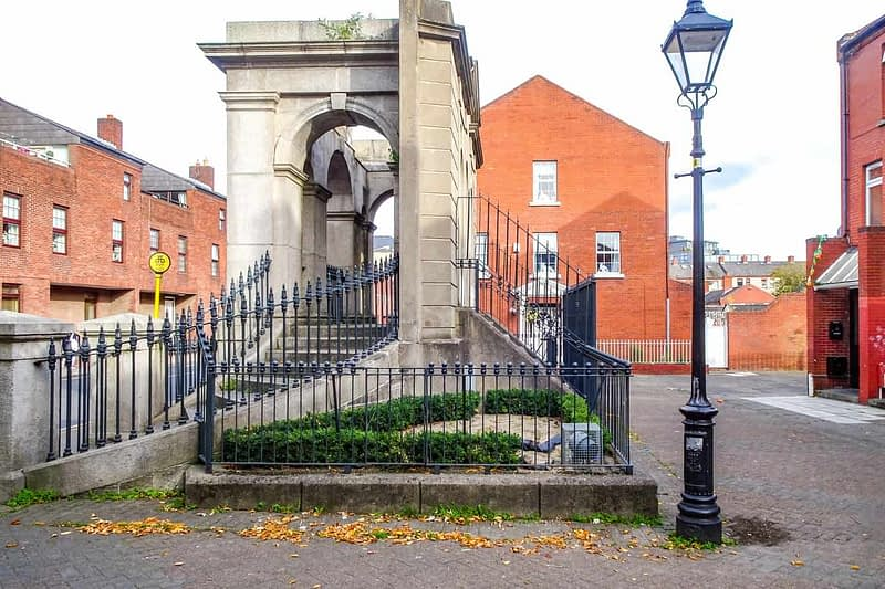 THE-COOMBE-MEMORIAL-THE-DUBLIN-LIBERTIES-166355-1