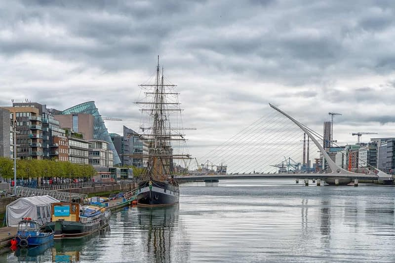 THE-JEANIE-JOHNSTON-TALL-SHIP-ON-THE-RIVER-LIFFEY-166033-1