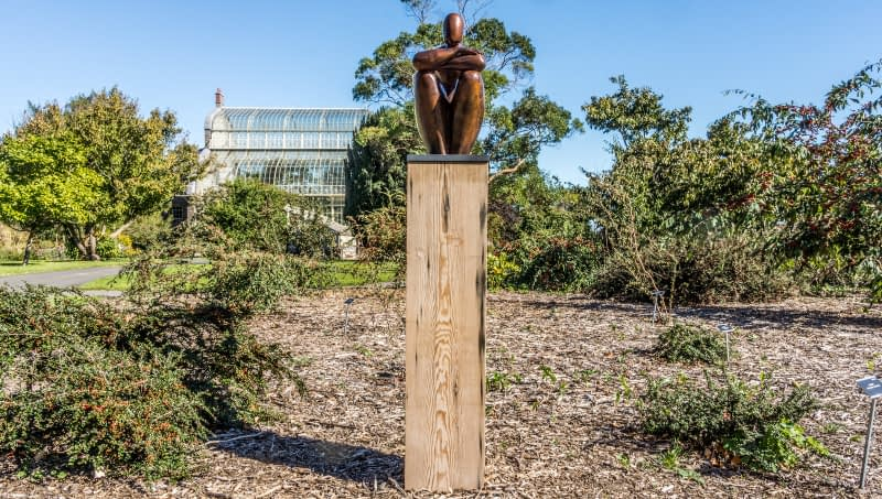 TIME-OUT-BY-ANA-DUNCAN-PHOTOGRAPHED-IN-THE-BOTANIC-GARDENS-SEPTEMBER-2013-167187-1
