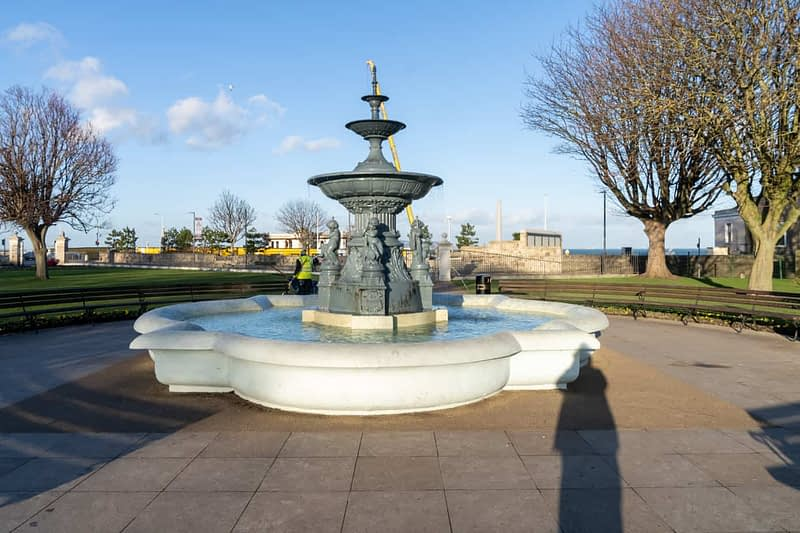 FOUNTAIN-NEAREST-THE-WATERFRONT-DUN-LAOGHAIRE-PEOPLES-PARK-159851-1