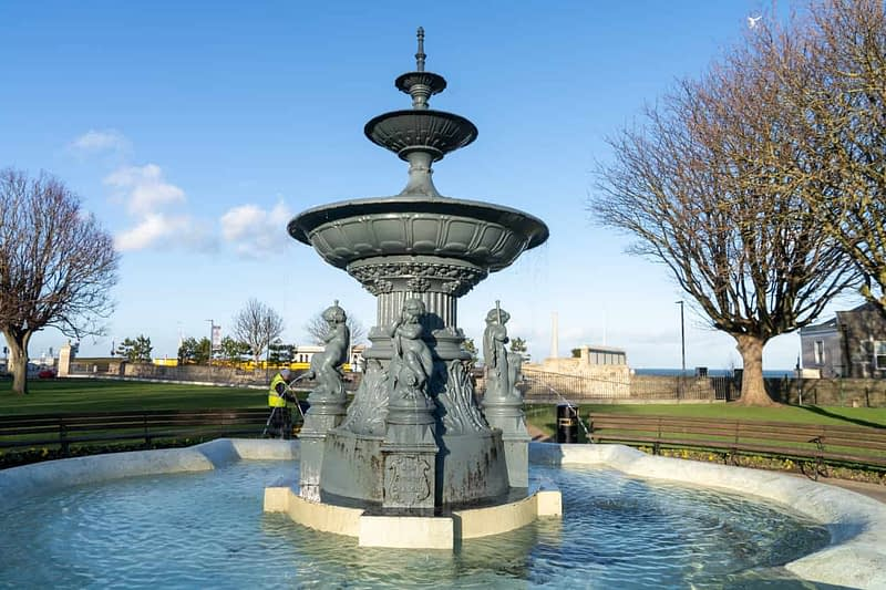 FOUNTAIN-NEAREST-THE-WATERFRONT-DUN-LAOGHAIRE-PEOPLES-PARK-159852-1