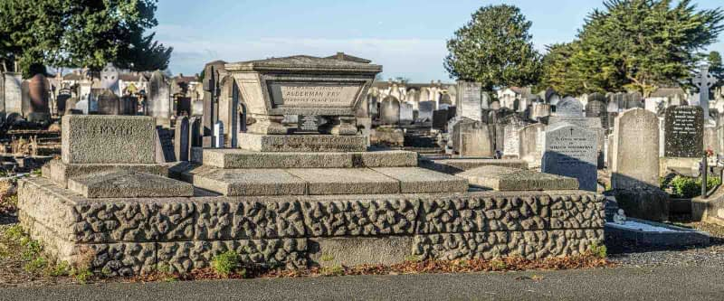 FAMILY-VAULT-ALDERMAN-WILLIAM-FRY-MOUNT-JEROME-CEMETERY-DUBLIN-159233-1