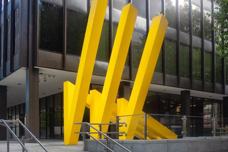 YELLOW-STEEL-GEOMETRIC-REFLECTIONS-JULY-2020-MICHAEL-BULFIN-167511-1